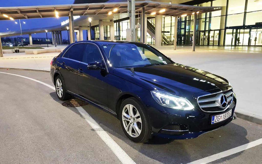 Auto-taxi_Zane_taxi_Mercedes_E_klasa